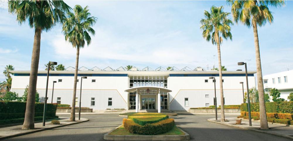 和歌山マリーナシティ、ヨット倶楽部のクラブハウス
